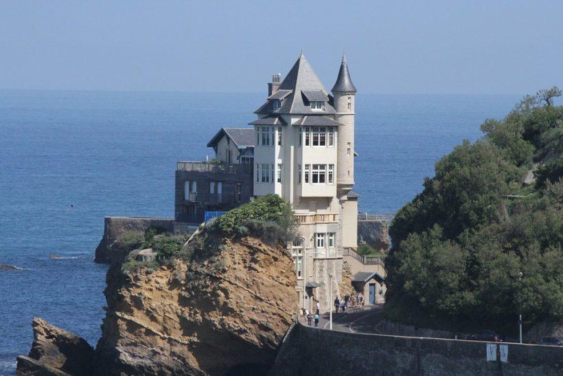 biarritz-3247556_960_720