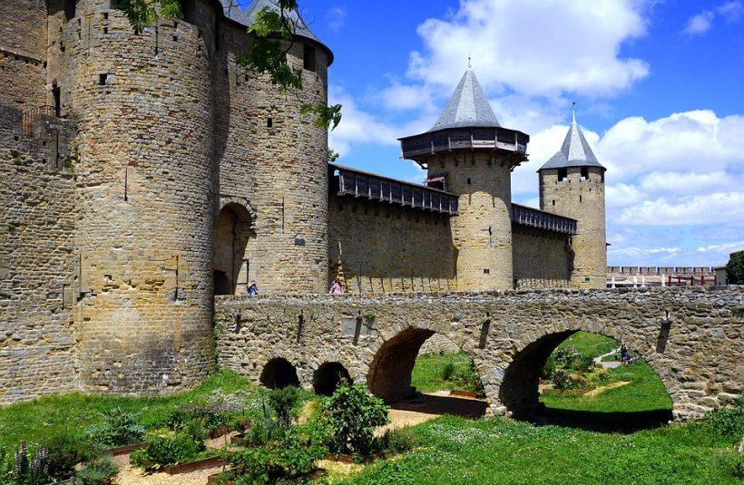 castle-2488567_960_720