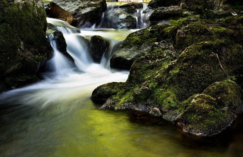 waterfall-204398_960_720